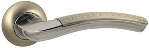 Дверная ручка Винтаж V26D AL на круглой розетке SN матовый никель
