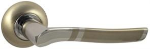 Дверная ручка Винтаж V77D AL на круглой розетке SN матовый никель