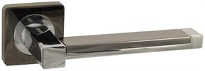 Дверная ручка Винтаж V05BN/CP на квадратной розетке BN/CP черный никель / хром