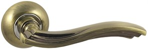 Дверная ручка Винтаж V14Q на круглой розетке AB бронза
