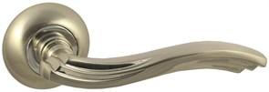 Дверная ручка Винтаж V14D на круглой розетке SN матовый никель