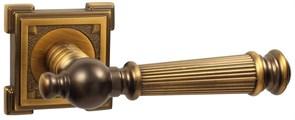 Дверная ручка Винтаж V15CF на квадратной розетке CF кофе